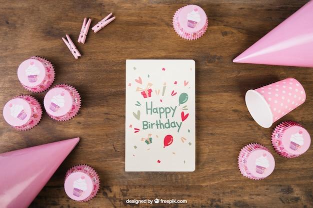 Mockup do cartão com design de aniversário Psd grátis
