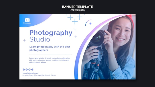 Modelo da web para aulas de fotografia de mulher sorridente Psd grátis