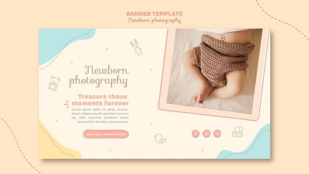 Modelo de banner com vista superior dos pés do bebê Psd Premium