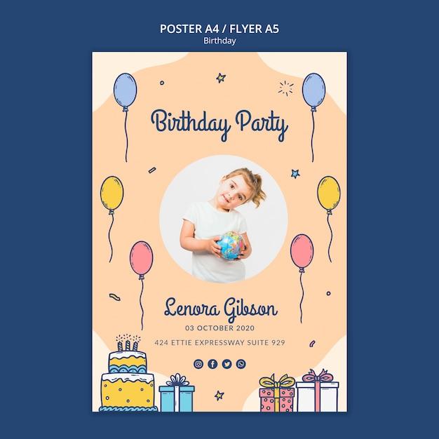 Modelo de folheto feliz aniversário com foto Psd grátis
