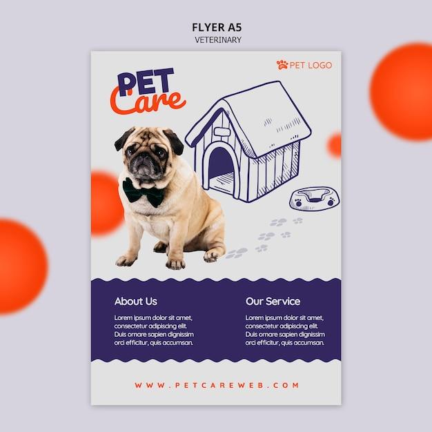 Modelo de folheto para cuidados com animais de estimação com cachorro usando uma gravata borboleta Psd grátis
