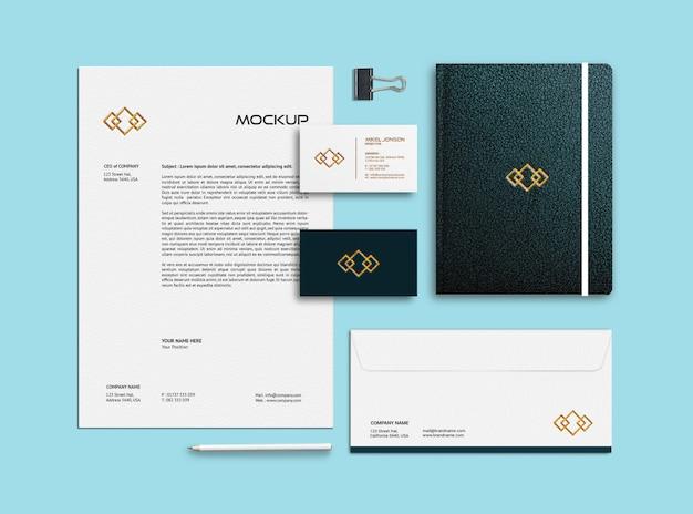 Modelo de maquete de cartão de visita, papel timbrado, envelope e caderno Psd Premium