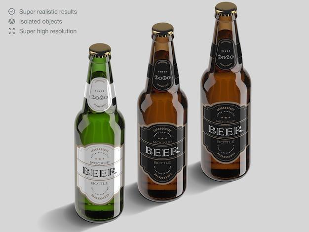 Modelo de maquete de garrafa de cerveja de vidro marrom e verde realista de alto ângulo Psd Premium