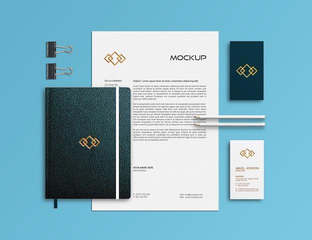 Modelo de maquete de papelaria de marca Psd Premium