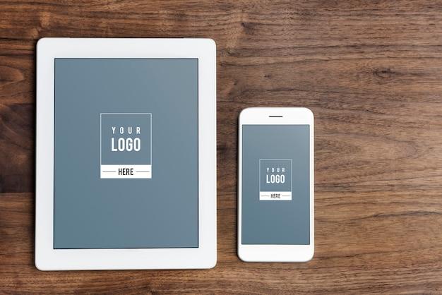 Modelo de maquete de tela de dispositivos digitais Psd grátis