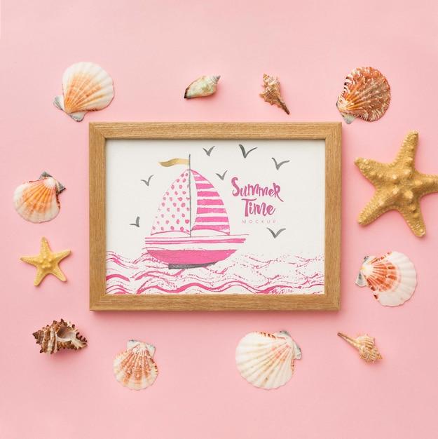 Moldura de madeira em fundo rosa Psd grátis