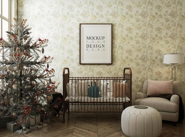 Moldura de pôster de maquete na sala do berçário com árvore de natal e decoração Psd Premium