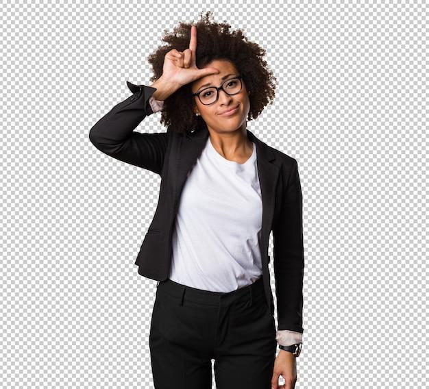 Mulher negra de negócios fazendo um gesto mais solto Psd Premium