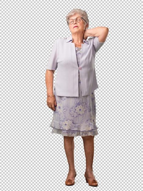Mulher sênior de corpo inteiro com dor nas costas devido ao estresse do trabalho, cansado e astuto Psd Premium