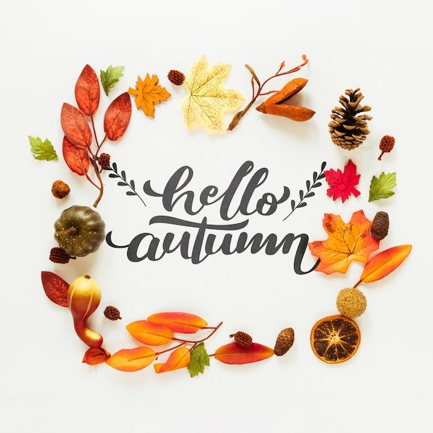 Olá outono citação com folhas secas e frutas Psd grátis