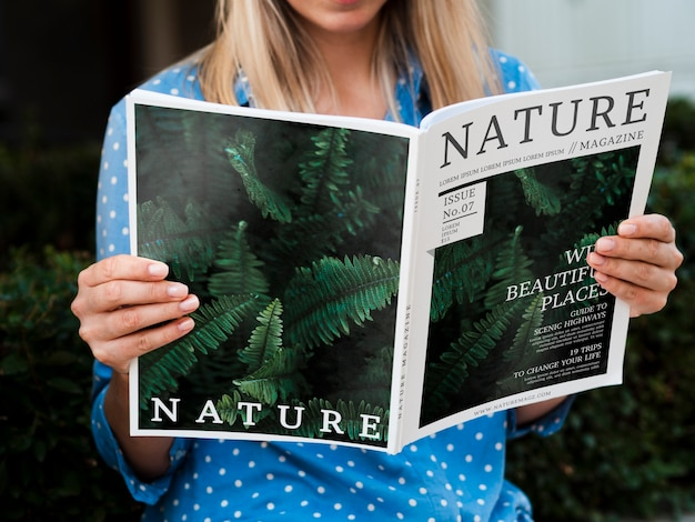 Opinião do conceito de revista nature Psd grátis