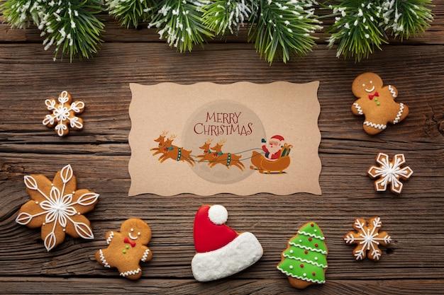 Pão plano leigos e folhas de pinheiro de natal Psd grátis