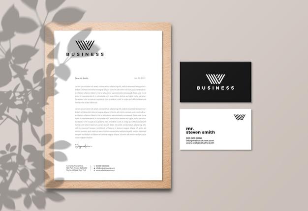 Papel timbrado elegante e maquete de cartão de visita Psd Premium