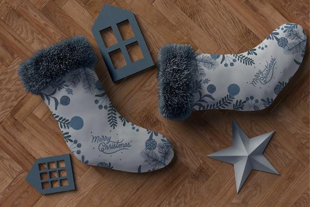 Par de meias cinza com decorações de cores correspondentes Psd grátis