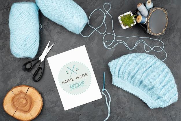 Produtos de tricô azul de vista superior Psd grátis