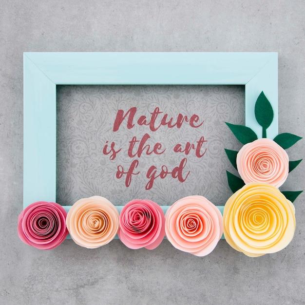 Quadro floral decorativo com citação positiva Psd grátis