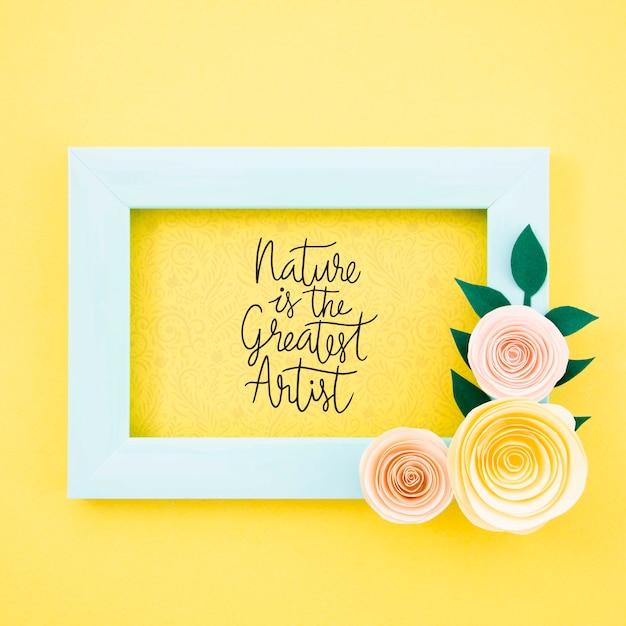 Quadro floral decorativo com citação Psd grátis