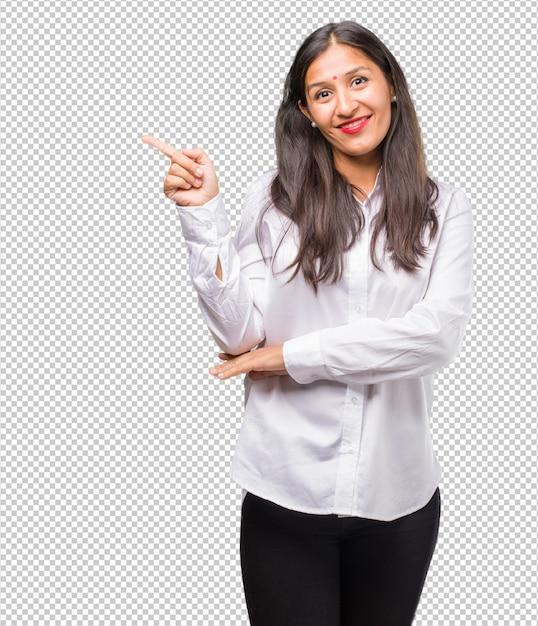 Retrato, de, um, jovem, indianas, mulher aponta, ao lado