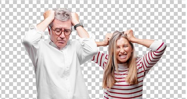 Senior legal marido e mulher olhando estressado e frustrado, expressando desânimo e descrença. Psd Premium
