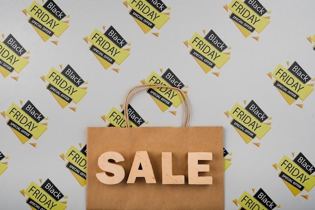 Sexta-feira negra conceito com sacola de compras Psd grátis