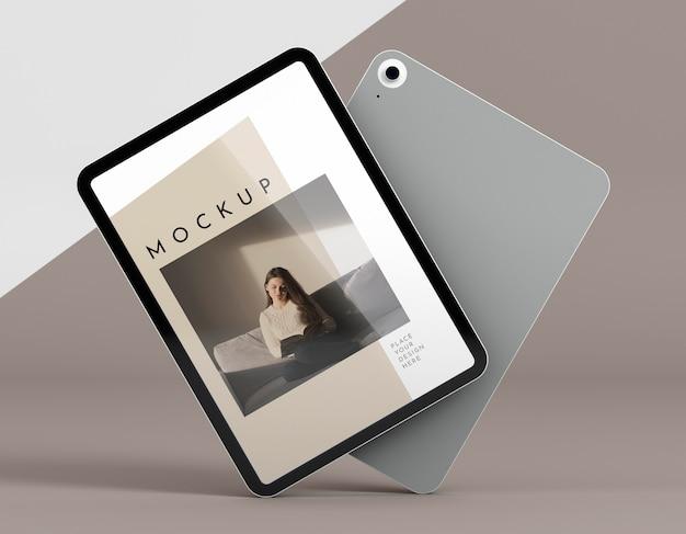 Tablet moderno de vista frontal com maquete de tela Psd grátis
