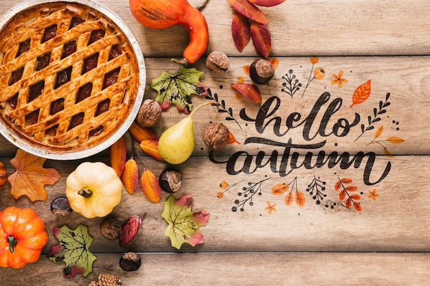 Torta fresca deliciosa com olá outono citação Psd grátis
