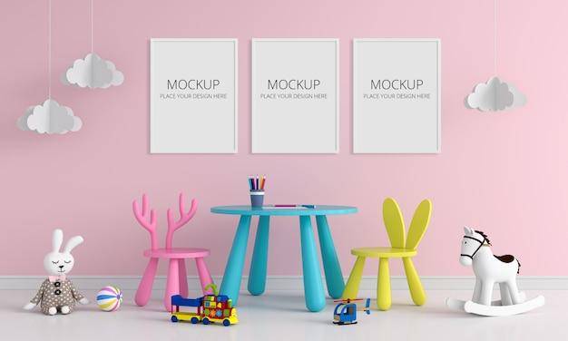 Três molduras para fotos em branco para maquete no quarto de crianças Psd Premium