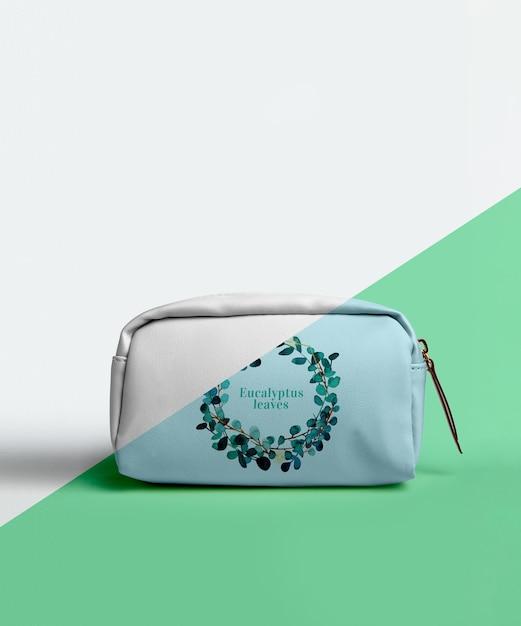 Vista frontal da bolsa de maquiagem Psd Premium