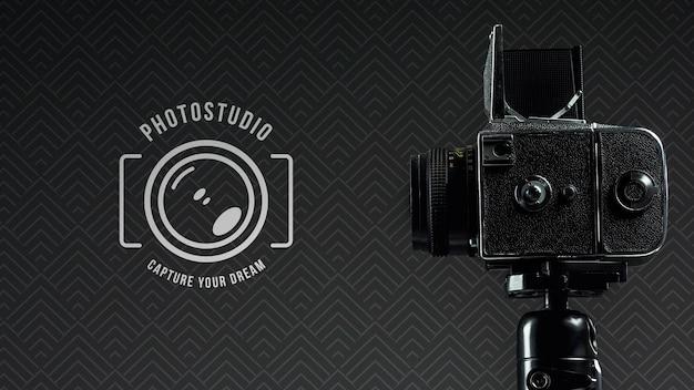Vista lateral da câmera digital para estúdio fotográfico Psd grátis