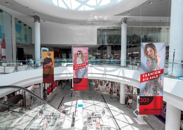 Vista panorâmica de maquetes de outdoor de publicidade de shopping Psd grátis