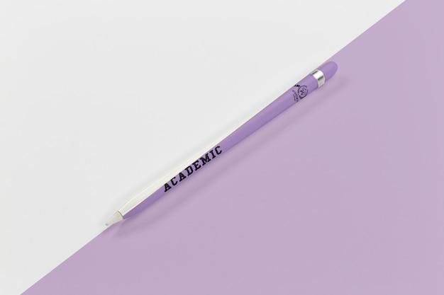 Vista superior da caneta de volta às aulas para escrever Psd grátis