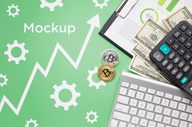 Vista superior de criptomoeda e dinheiro Psd grátis