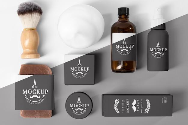 Vista superior de itens de barbearia com pincel Psd Premium