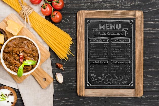 Vista superior do menu de comida italiana Psd grátis