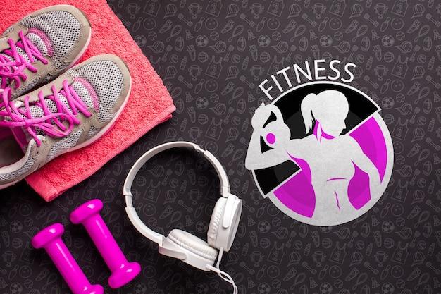 Vista superior equipamentos de fitness e fones de ouvido Psd grátis