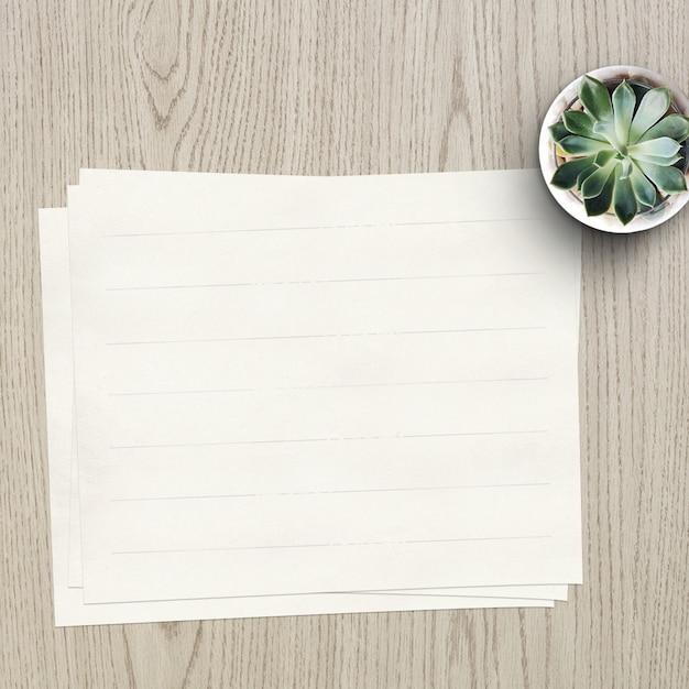 Leeres Papier Mock-up Kostenlose PSD
