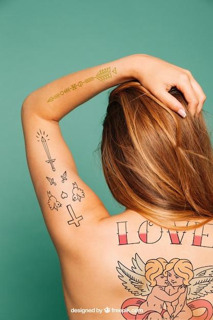 Mockup für Tattoo-Kunst auf der Rückseite | Download der kostenlosen PSD