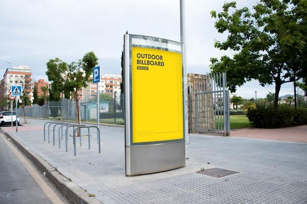 Plakatwand im Freien in der Stadt Kostenlose PSD