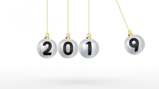 2019 bonne année avec des boules de noël de couleur argent Vecteur Premium