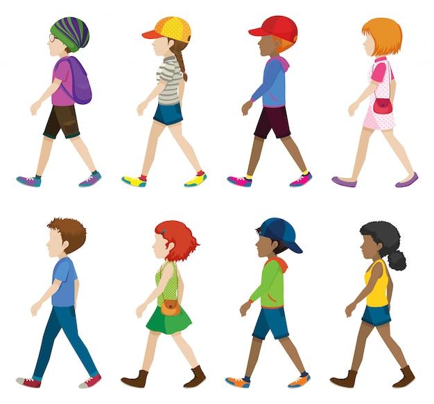 Adolescents à La Mode Marchant Vecteur gratuit