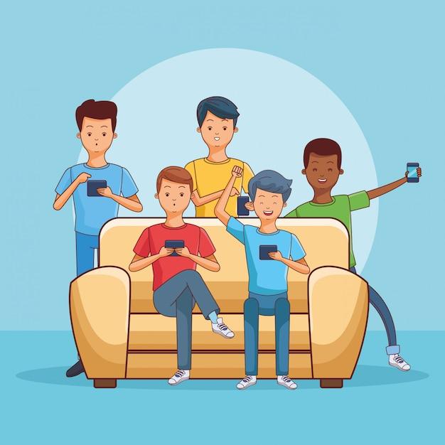Adolescents utilisant un smartphone assis sur un canapé Vecteur Premium