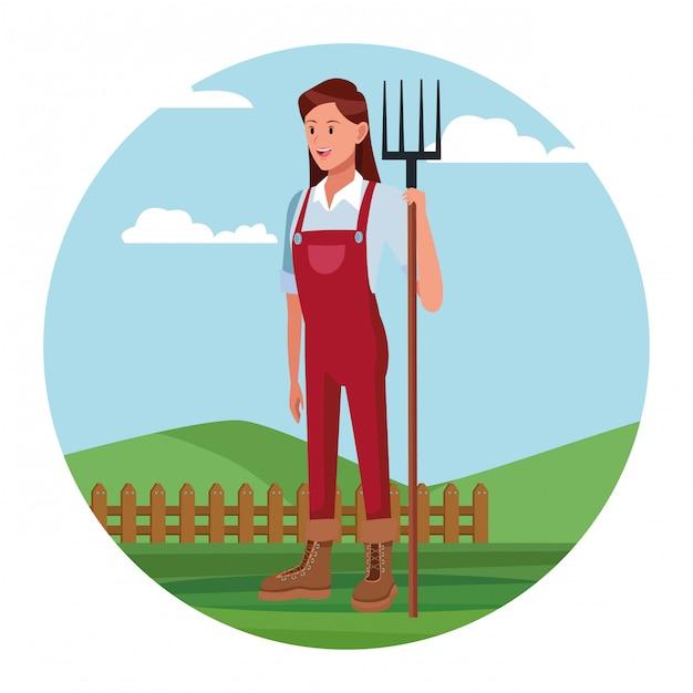 Agriculteur travaillant dans le dessin animé du camp Vecteur gratuit