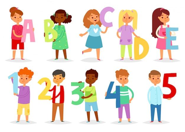 Alphabet Enfants Cartoon Enfants Police Et Personnage Garçon Ou Fille Tenant Lettre Alphabétique Ou Illustration Numéro Alphabétiquement Définie Vecteur Premium