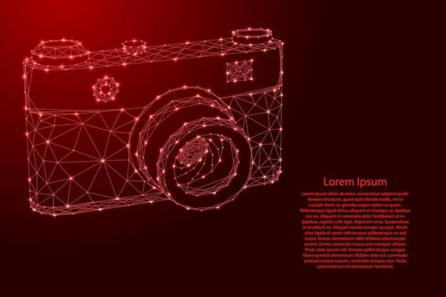 Appareil Photo à Partir De Lignes Rouges Polygonales Futuristes Et D'étoiles Brillantes Vecteur Premium