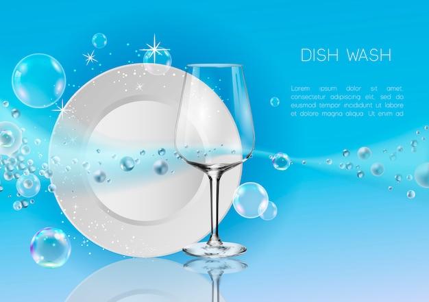 Une assiette propre et un verre à vin en bulles de savon et éclaboussures d'eau. Vecteur Premium