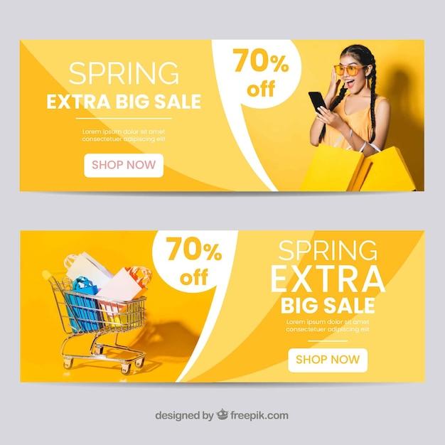 Bannière de vente de printemps photographique Vecteur gratuit