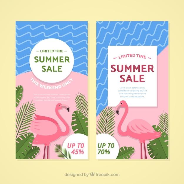 Bannières de vente d'été avec des éléments de plage Vecteur gratuit