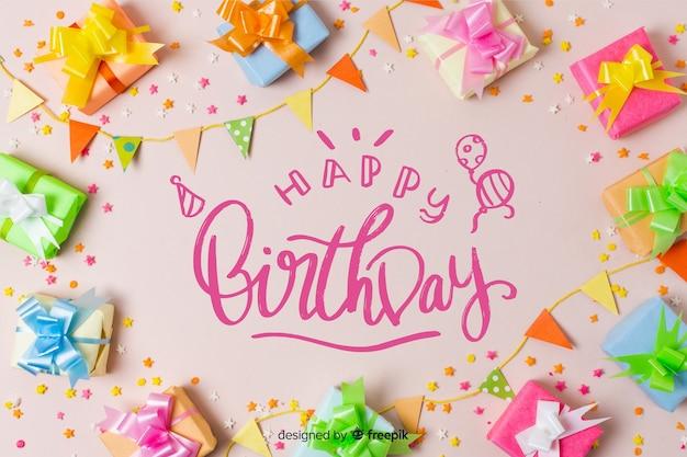 Beau lettrage joyeux anniversaire avec photo Vecteur gratuit