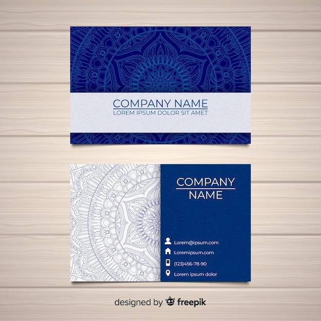 Belle carte de visite avec concept de mandala Vecteur gratuit