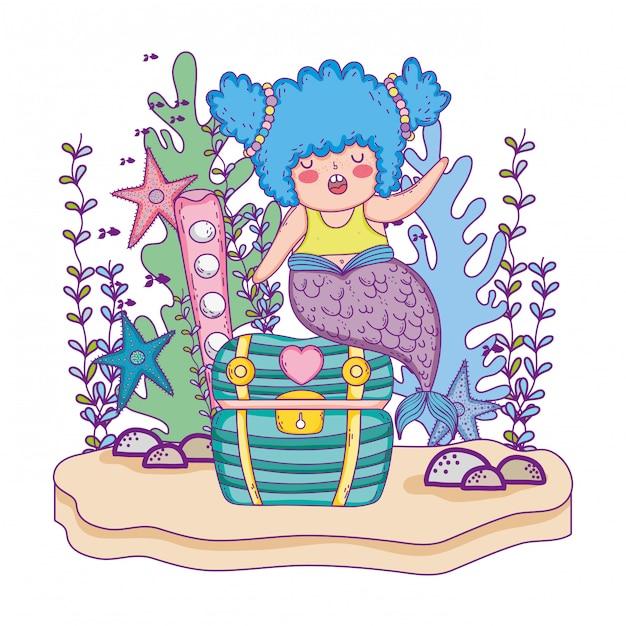 Belle sirène avec coffre au trésor et algues Vecteur Premium